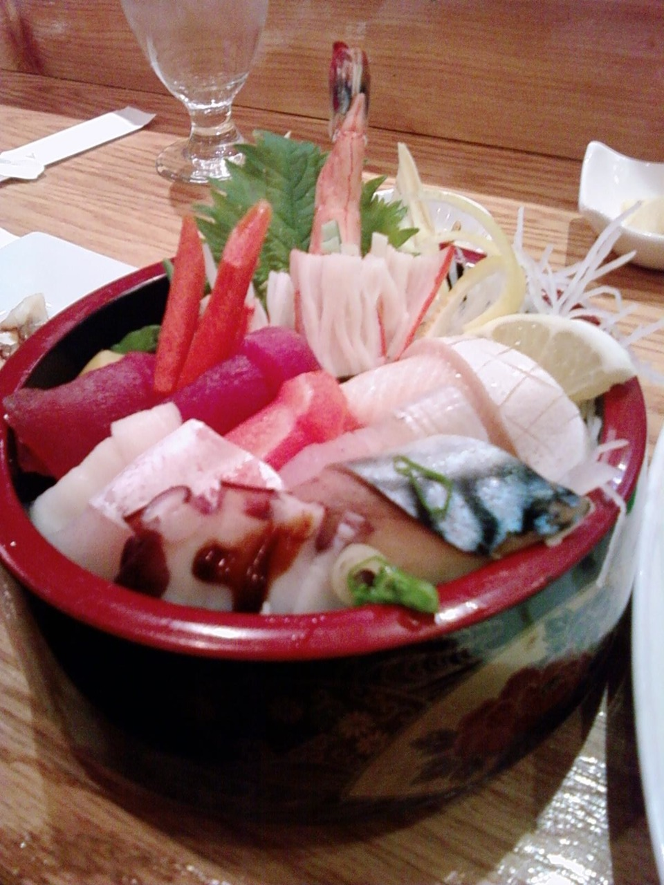 Chirashi @ Ginga in Coolidge Corner; my phone died - thanks Mili for the picture!