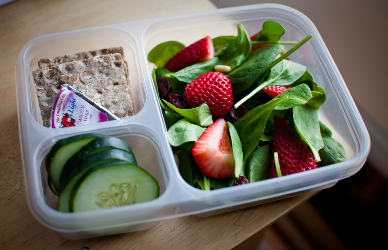 healthyalternative :     DAY 71 Snacks/Lunch   Spinach salad with strawberries, craisins and pine nuts with red vinegar dressing. Fiber Crisp Bread, Laughing cow cheese and cucumber.   :)