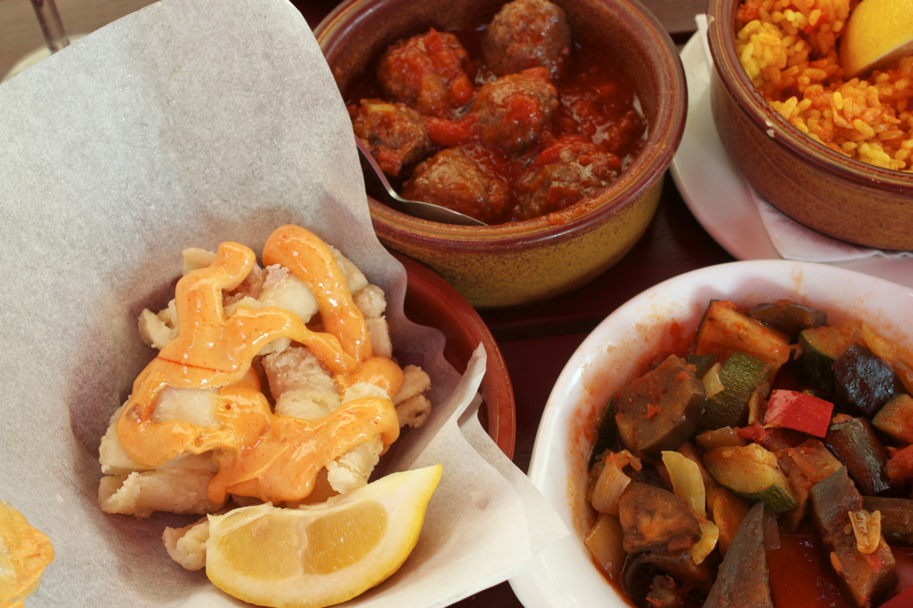 """Feast Like a King """"All-You-Can-Eat"""" Tapas Promotion @  La Tasca  in Canary Wharf   Spent London Marathon Sunday eating a ton of tapas and getting drunk on sangria with my girl, Yuri-chan."""