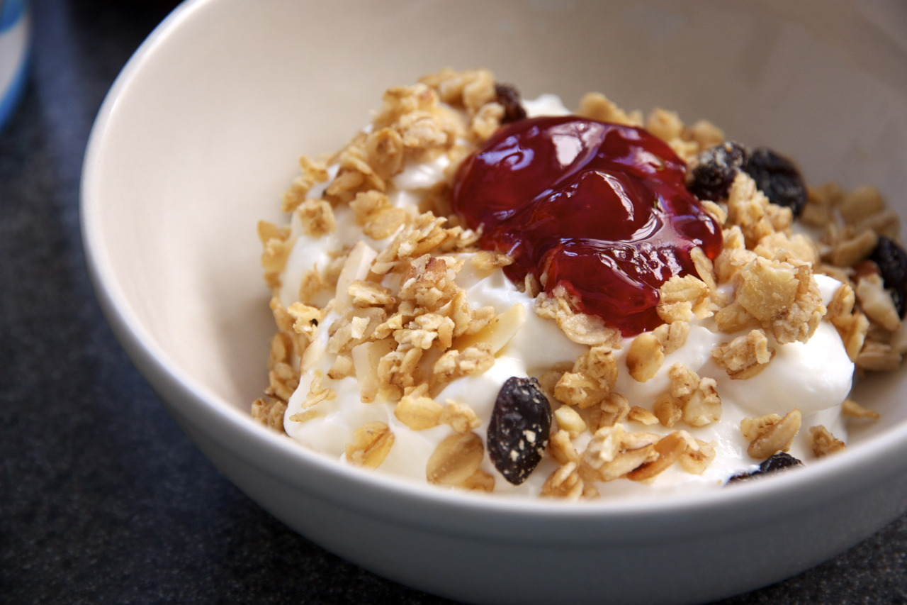 Lately, I have been obsessed with the following three things:  greek yogurt, granola, and fruit preserves . I eat it for breakfast and then for dessert. Then crave it all over again the next day. I just can't seem to get enough of it!