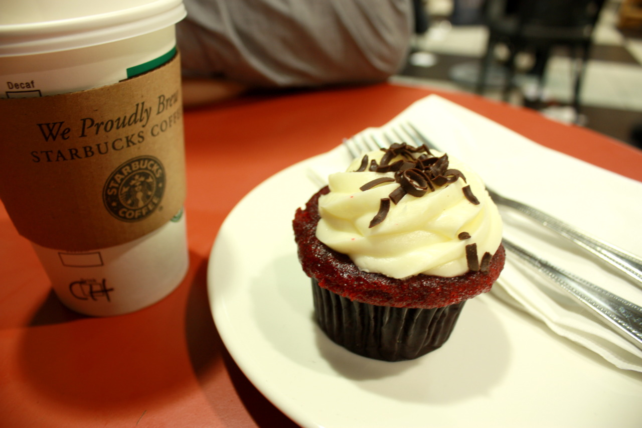 Cheesecake Factory's Red Velvet Cupcake @ Starbucks in Barnes & Noble at The Grove, Los Angeles