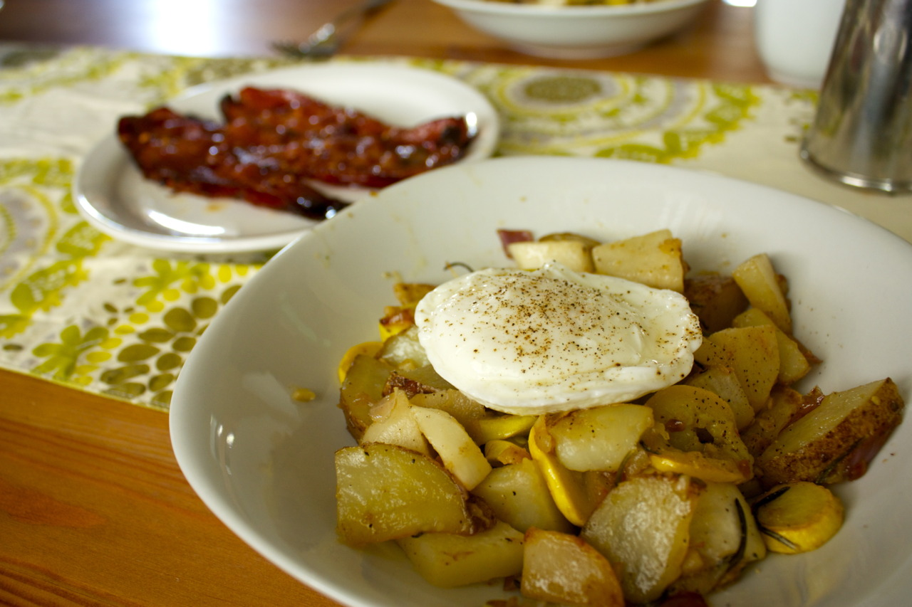 One of my favorite brunch dishes:  fall vegetable hash . The best hash I had was at Lineage in Coolidge Corner, Boston - and I was lucky enough to find  the recipe  online by Jeremy Sewall himself! I altered the original recipe a little bit by adding my choice of fall vegetables and adding a poached egg.    And for the meat eaters that morning, classic brown sugar bacon - yum.
