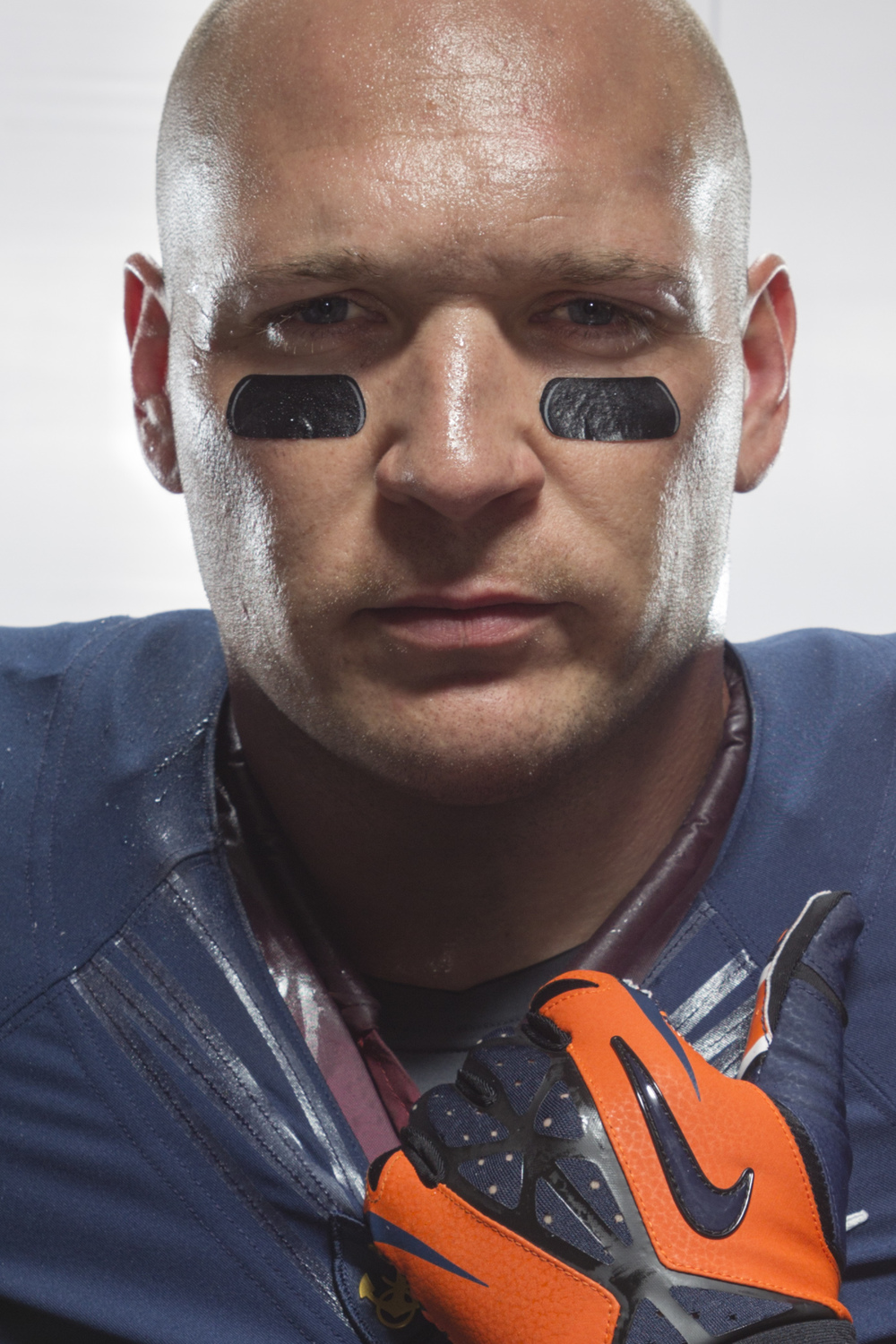 12021_Nike_NFL_Urlacher_Before.jpg