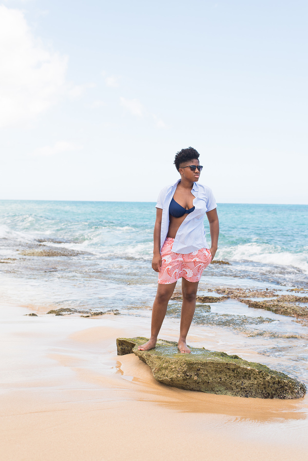 Beach time in my Men's Short Sleeve Oxford Shirt- Uniqlo