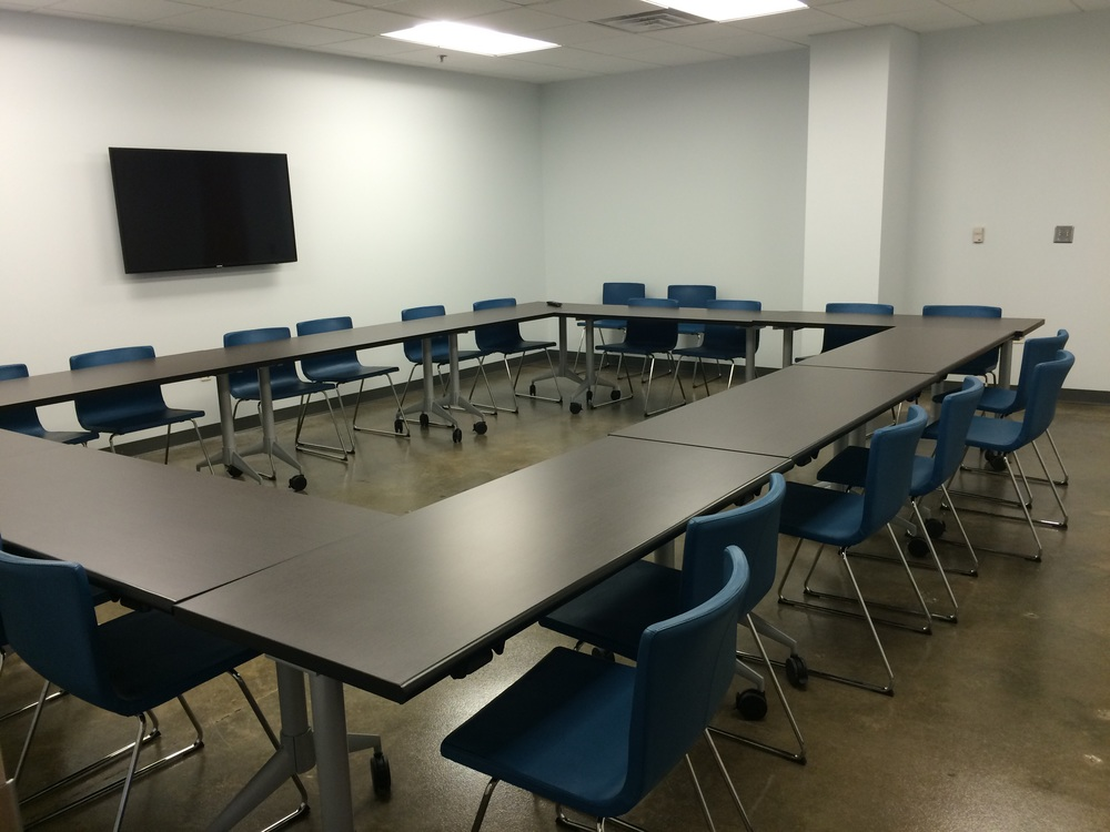 One of the reservable meeting rooms