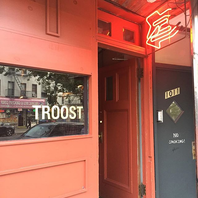 Hey Greenpoint! There's jazz music tonight @troostnyc! I'm playing the low notes. 8-10 . . . . . #jazz #livejazz #jazznyc #trio #jazzbrooklyn #greenpoint #livemusic #livemusicbrooklyn