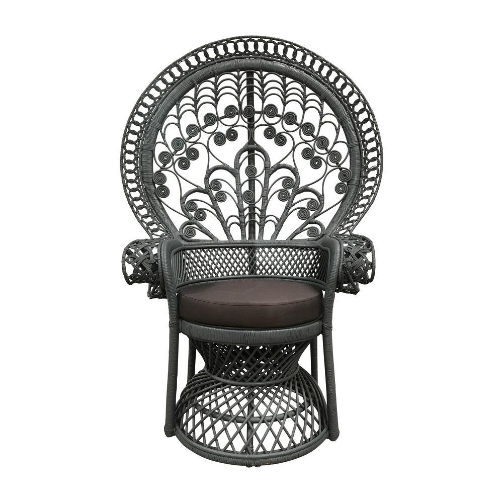 Painted Rattan Peacock Chair Dekor