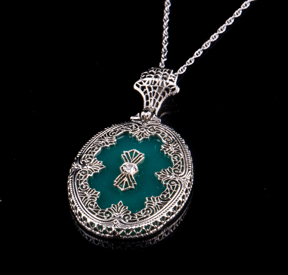 10kt Art Deco green onyx filigree necklace