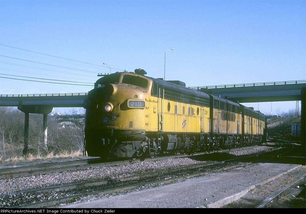 C&NW Engine 210, headed through Des Moines. Photo circa 1981