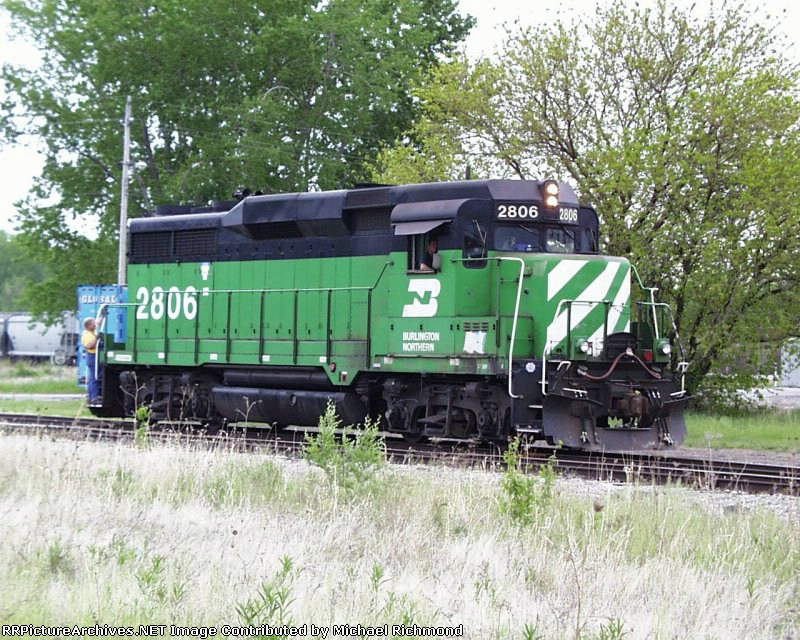 Burlington Northern working out of CB&Q yard, currently known as Glake Yard. Photo circa May 2000.