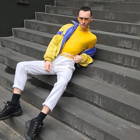 @thomasfisherr Lunging for yellow in our yolk tinted frames 💛💛💛💛💛