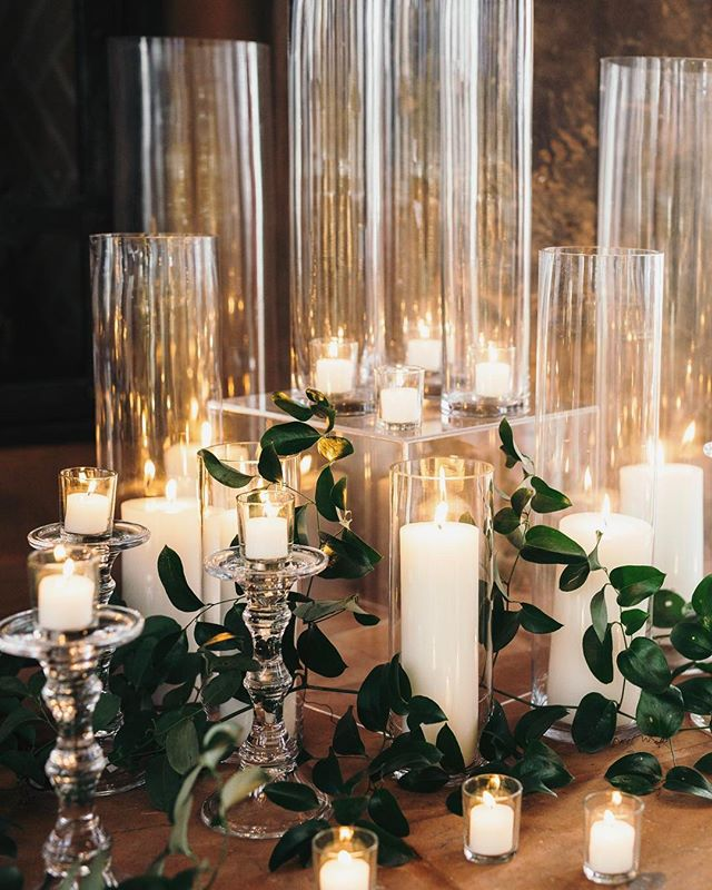 Setting up for an event CAN be relaxing, especially when it's well executed and includes 1,000 mesmerizing candles | @bettyclicker #styledbydarling