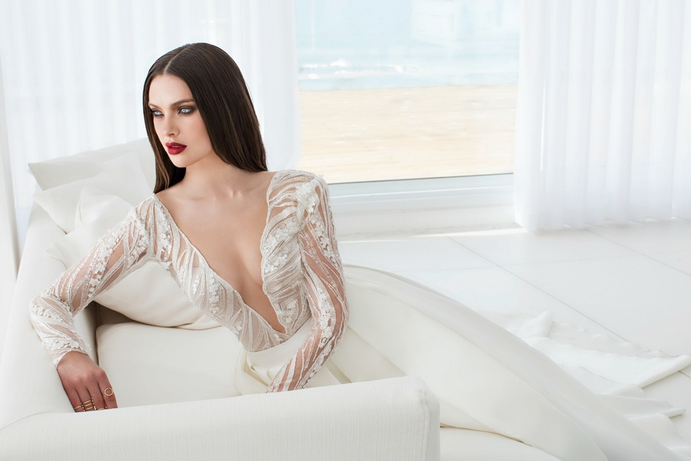 A daring and breathtakingly bold gown by Designer   Julie Vino