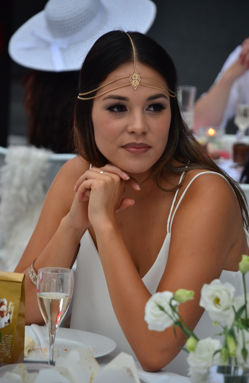 diner en blanc auckland beautiful girl