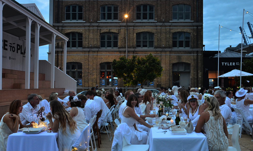 design and the city diner en blanc.jpg