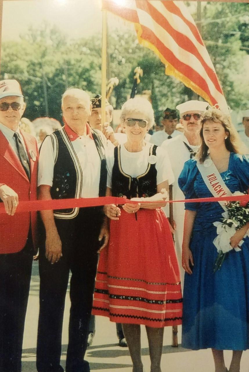 1990 - Elroy & Armella Mladek