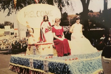 1974 Kolacky Day Royalty.  From Left: Queen Marilyn Lorence, 2nd Princess & Miss Congeniality Gayle Shaughnessy, and 1st Princess Cindy Braun