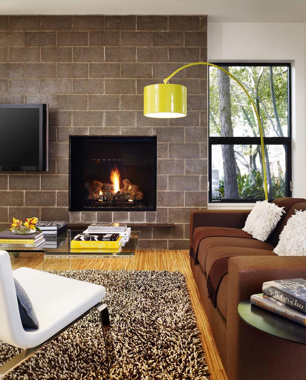 livingroomfire.jpg