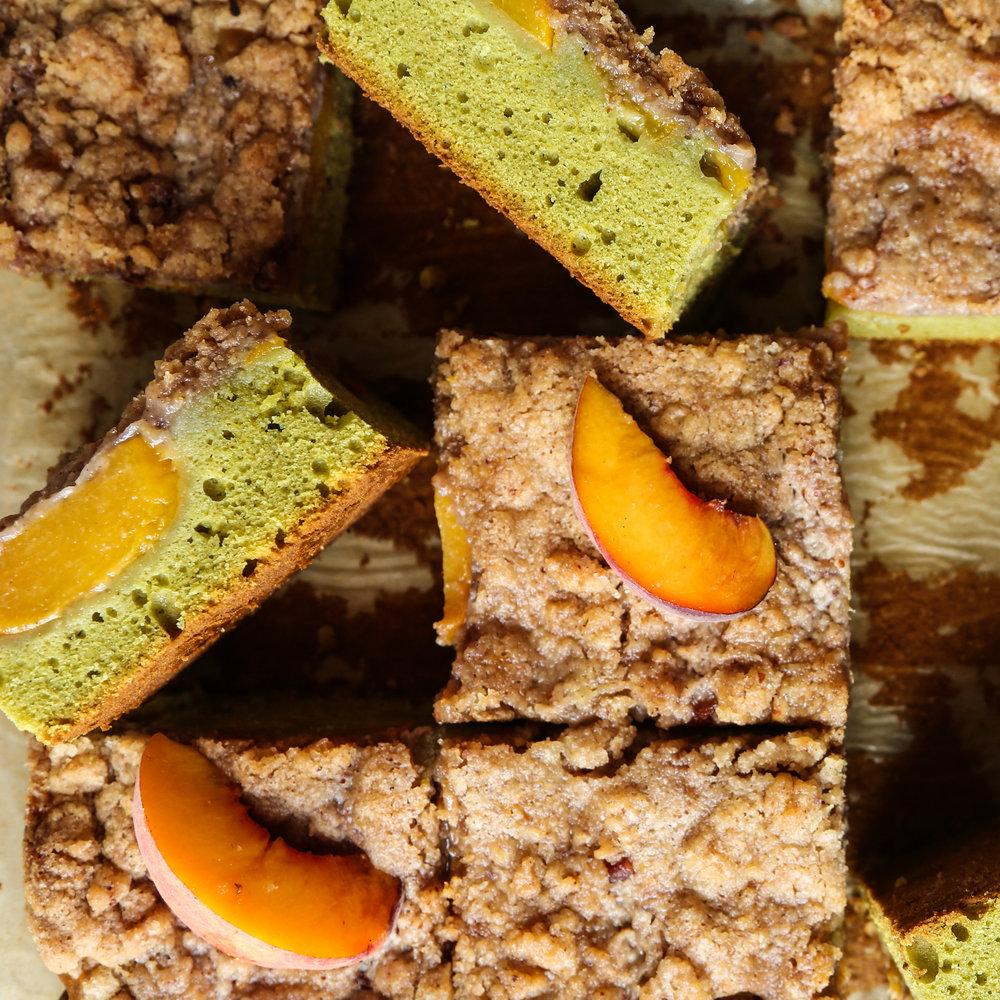 Matcha Peach Crumble Cake
