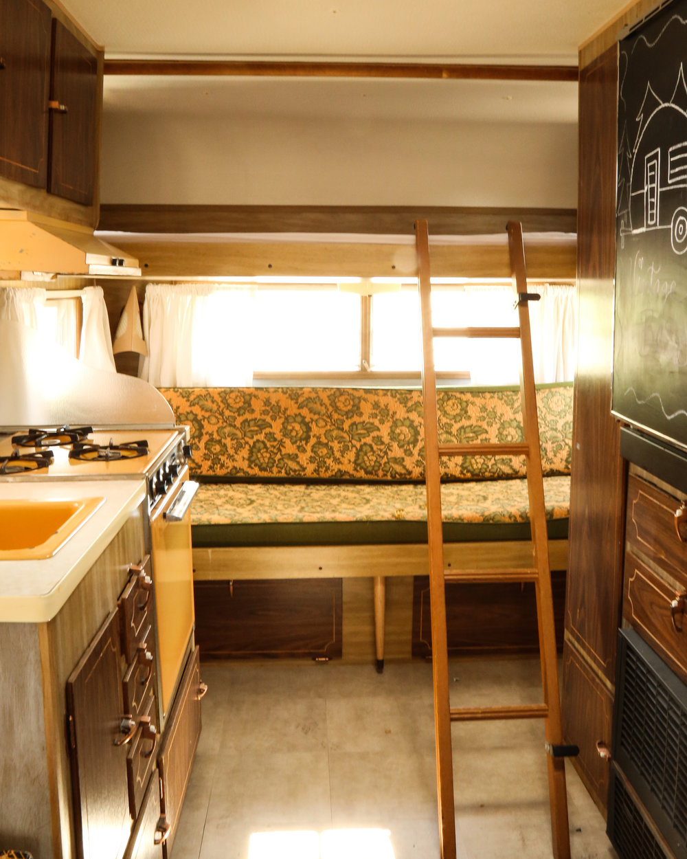 vintage trailer renovation, interior, bedroom 3