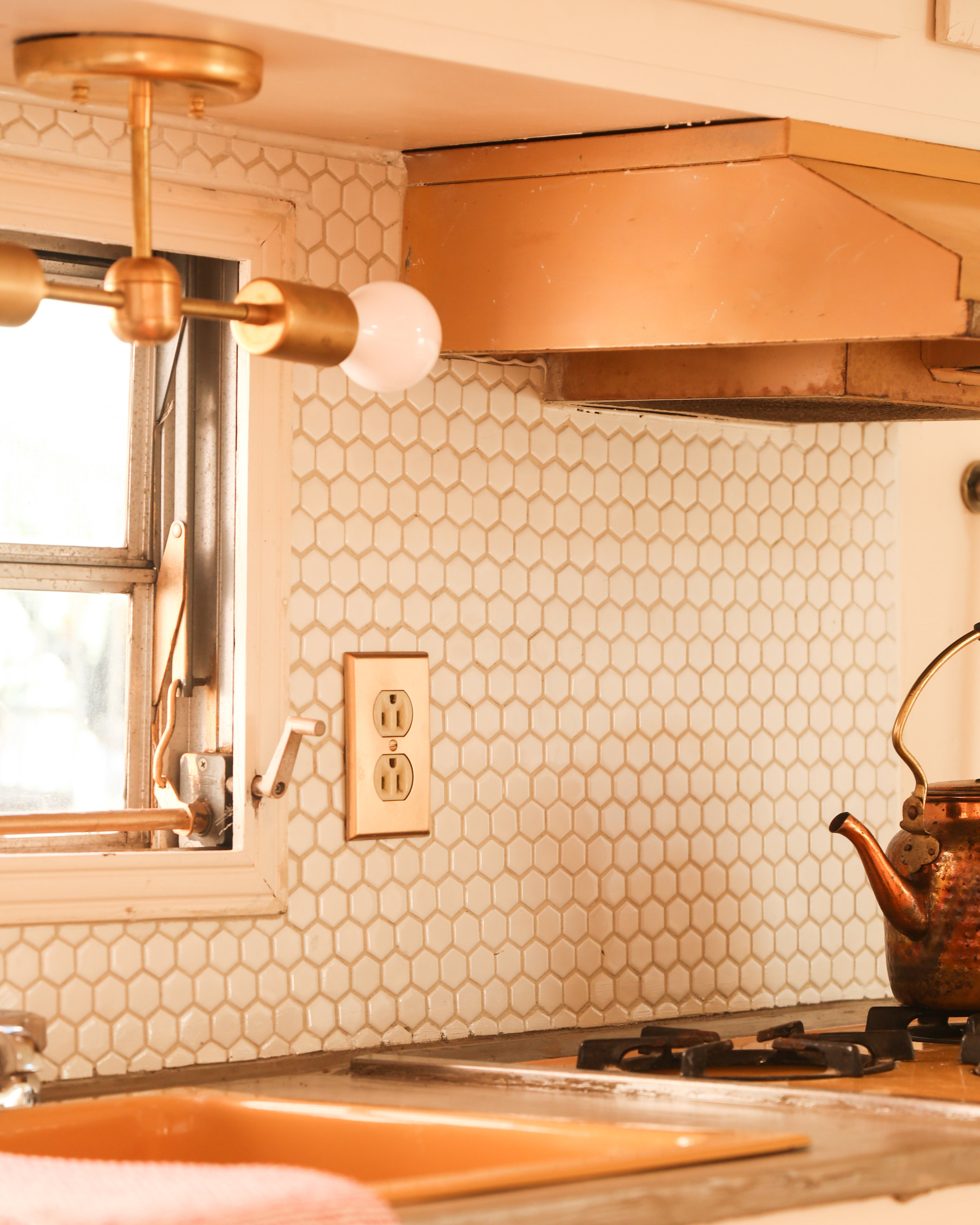 - Rosie Renovation: Kitchenette Hex Tile Backsplash — Probably This