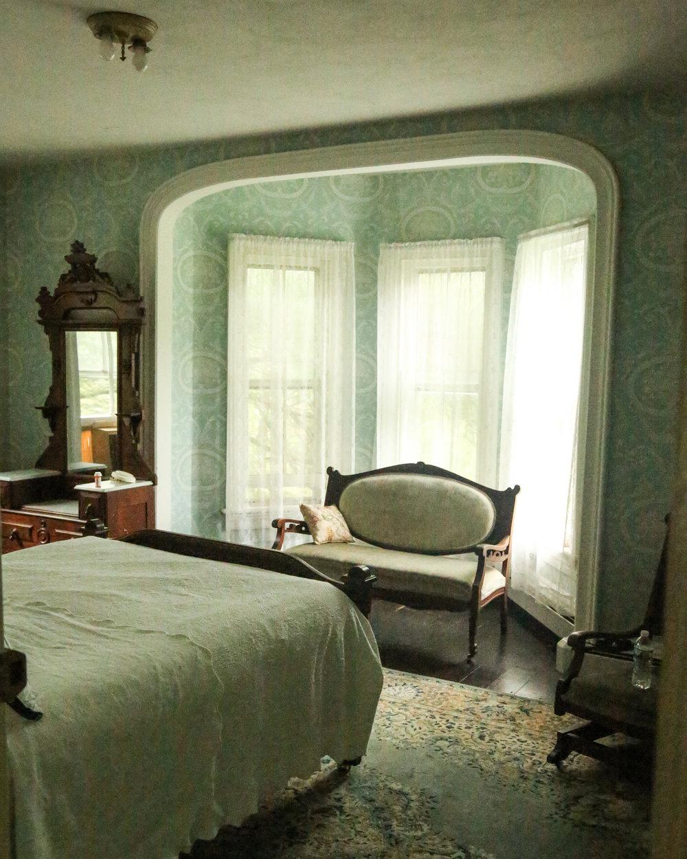 Upstairs Bedroom 3 Before  3 (1 of 1).jpg