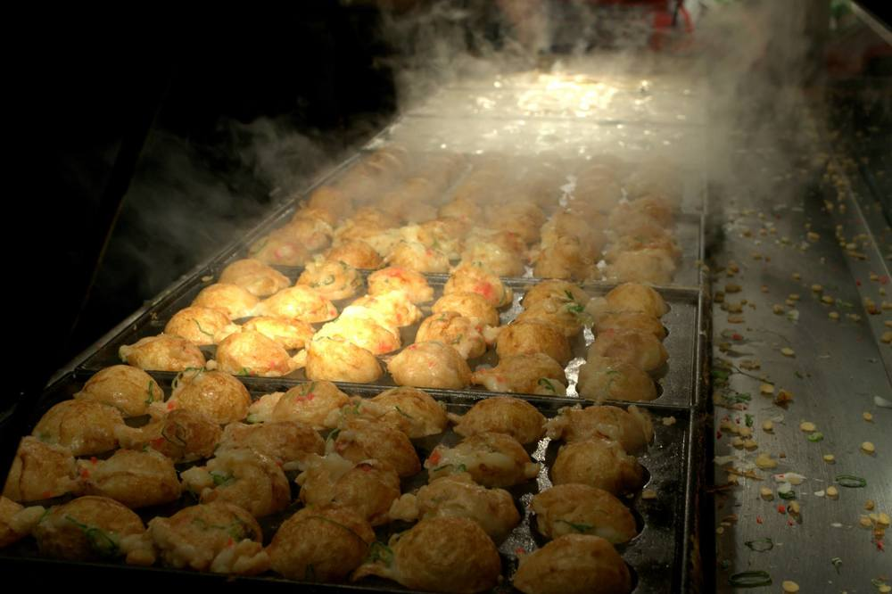 You never leave Osaka without trying out its famed Takoyaki on Dotonbori!