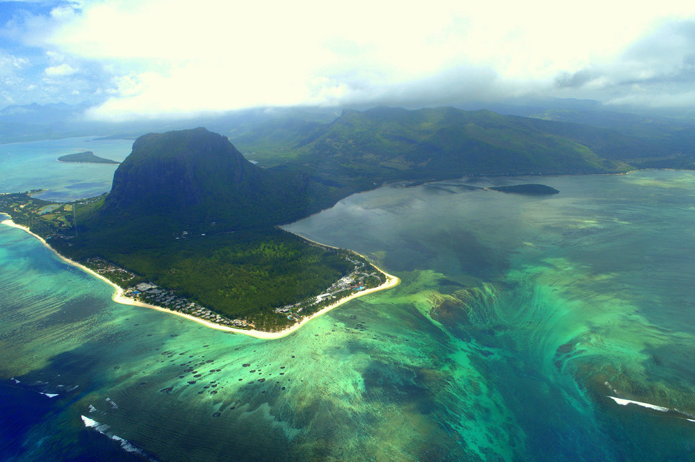 The stunning Underwater Waterfall