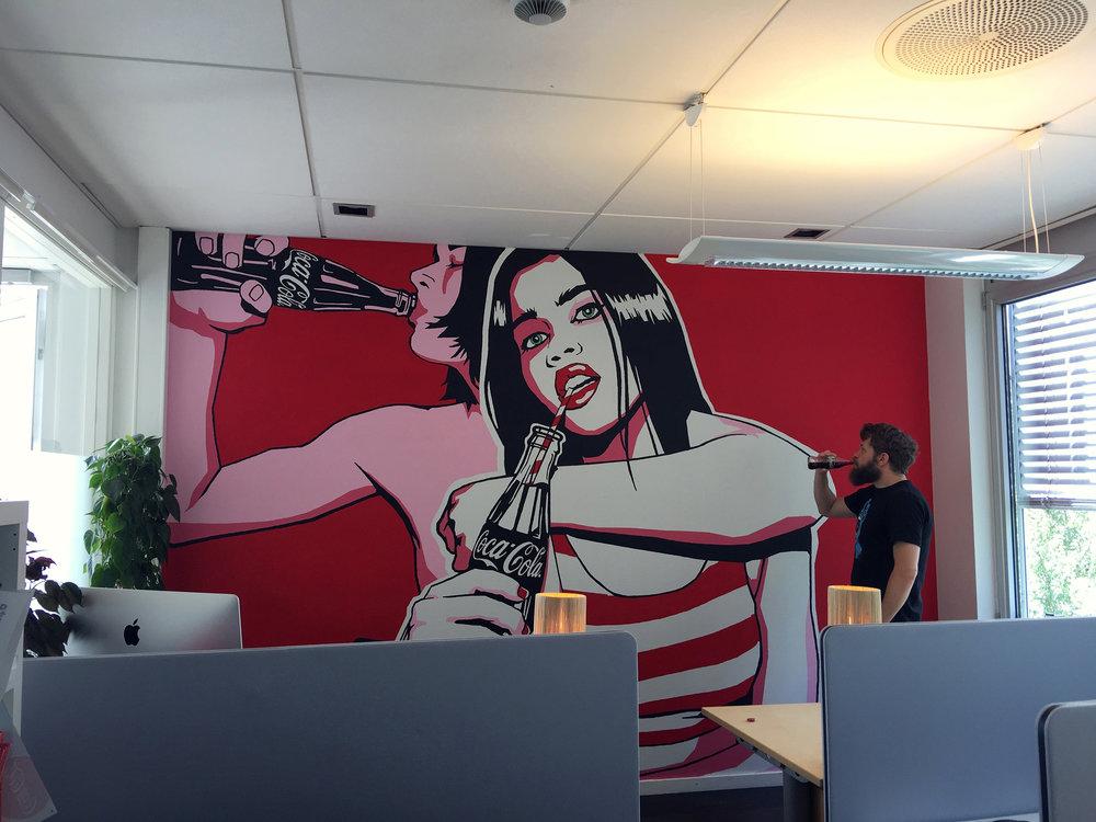 2---Coca-Cola---Kontoret-til-Grafisk-Avdeling---Veggmaleri-Ferdig.jpg