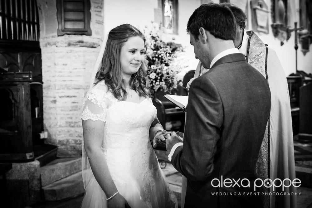 wedding_rock_cornwall-34.jpg