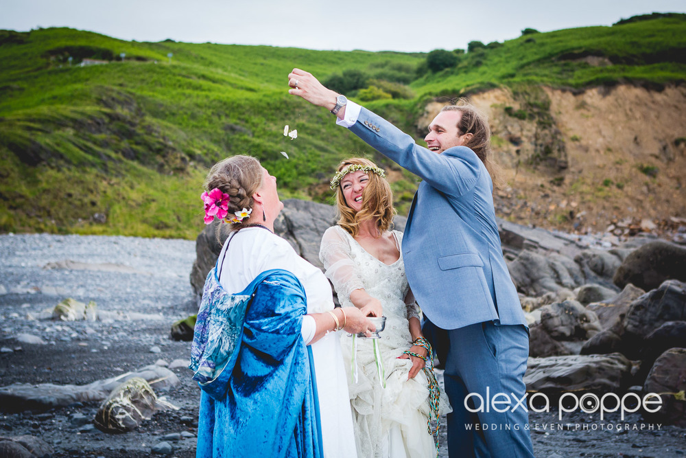 LP_wedding_cornwall_devon-40.jpg