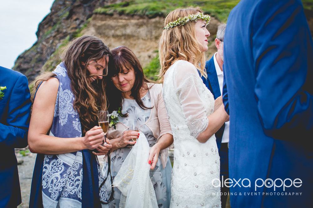 LP_wedding_cornwall_devon-59.jpg