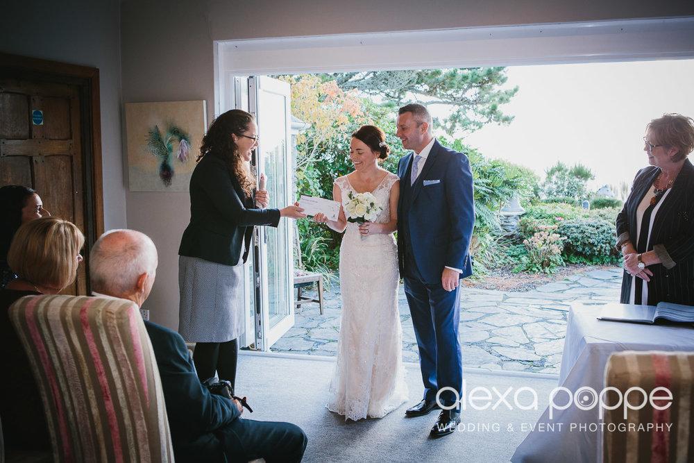 LK_wedding_cornwall-24.jpg