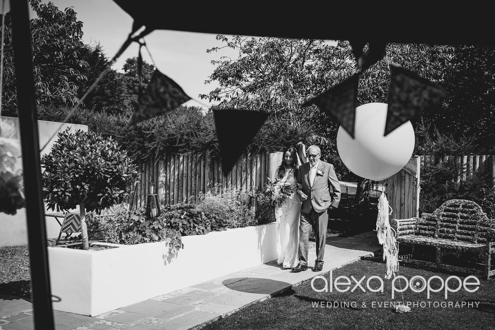 DT_elopement_lowerbarns-15.jpg