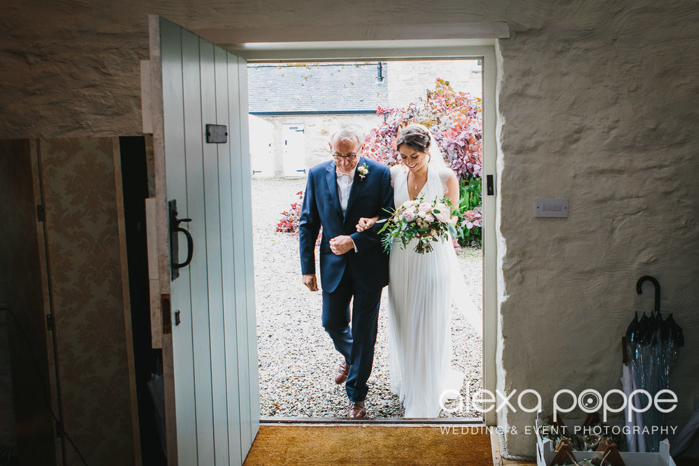 DS_wedding_cosawesbarton_cornwall-24.jpg