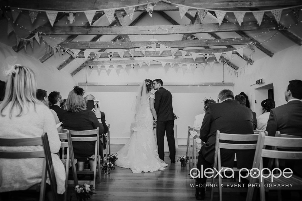 JK_wedding_thegreen_cornwall_26.jpg