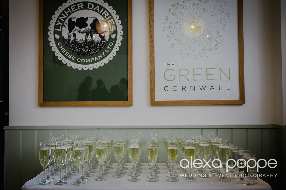 JK_wedding_thegreen_cornwall_28.jpg