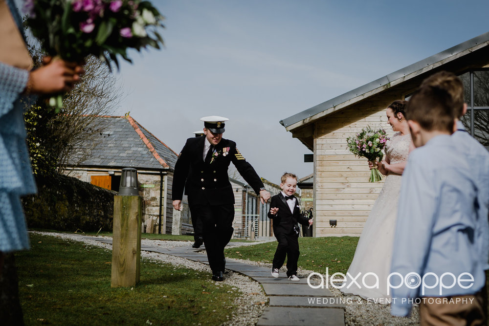 PD_wedding_thegreen_cornwall_36.jpg