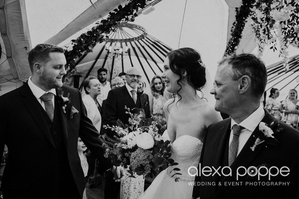 FE_wedding_gwelabmor_portreath_19.jpg