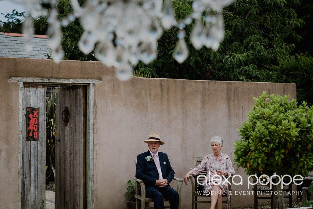 AH_wedding_lowerbarns_14.jpg