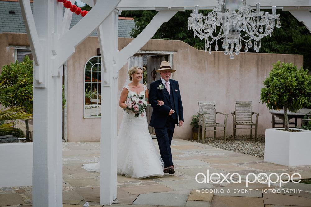 AH_wedding_lowerbarns_21.jpg