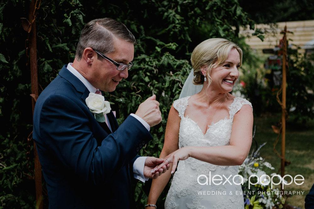 AH_wedding_lowerbarns_27.jpg