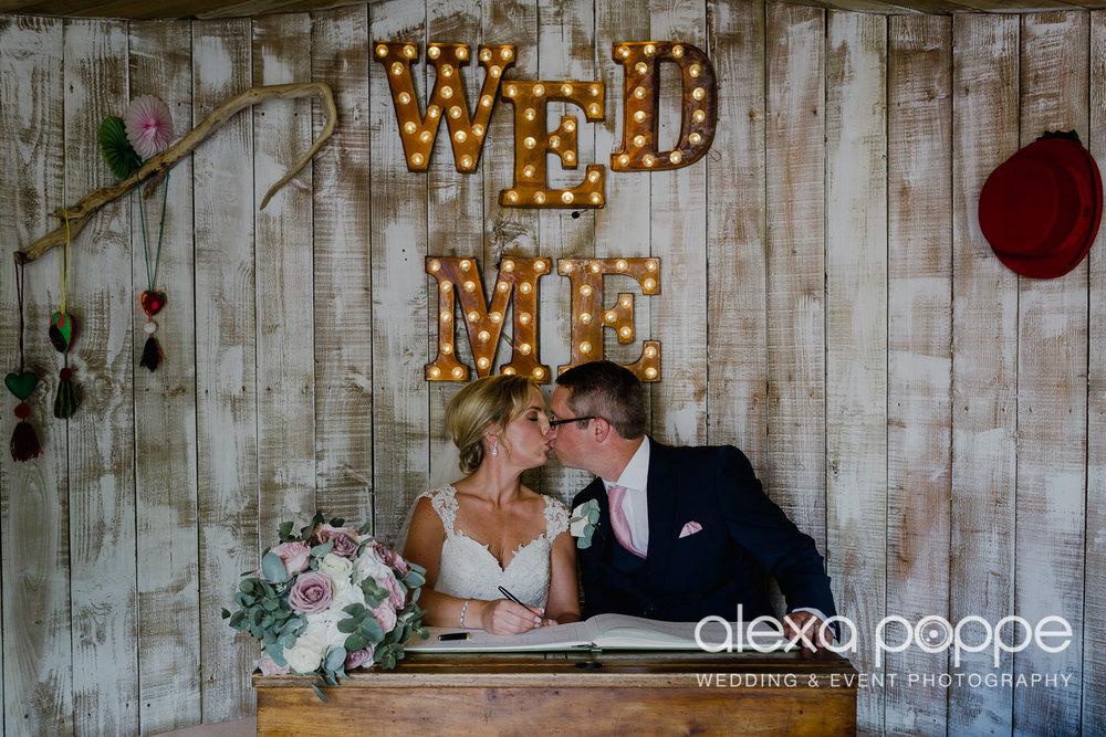 AH_wedding_lowerbarns_32.jpg