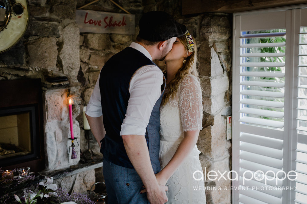 KR_elopement_lowerbarns_cornwall_7.jpg