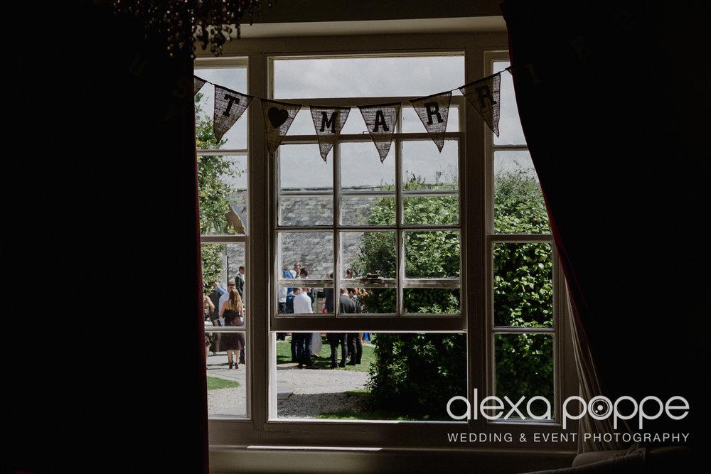 JA_outdoor_wedding_thegreen_cornwall_10.jpg
