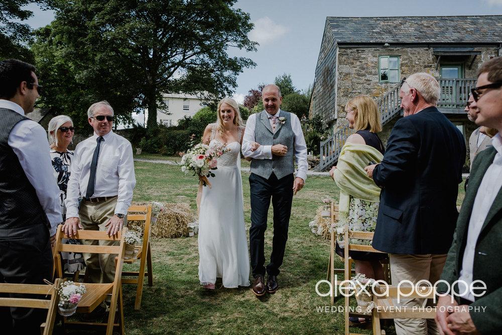 JA_outdoor_wedding_thegreen_cornwall_21.jpg