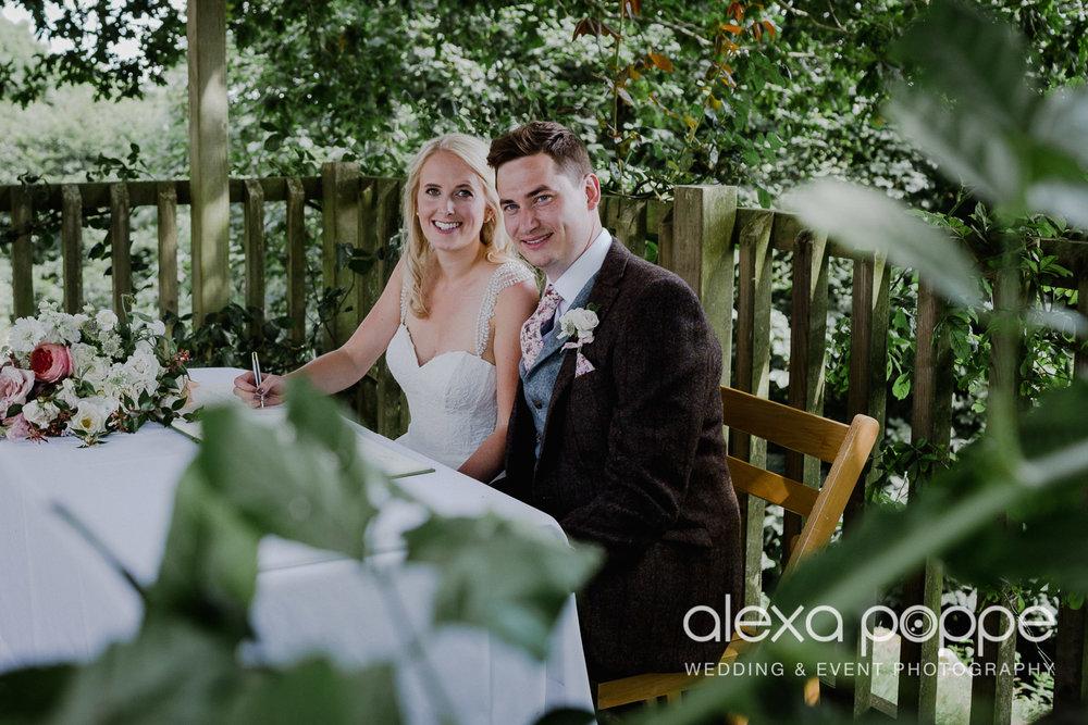 JA_outdoor_wedding_thegreen_cornwall_30.jpg