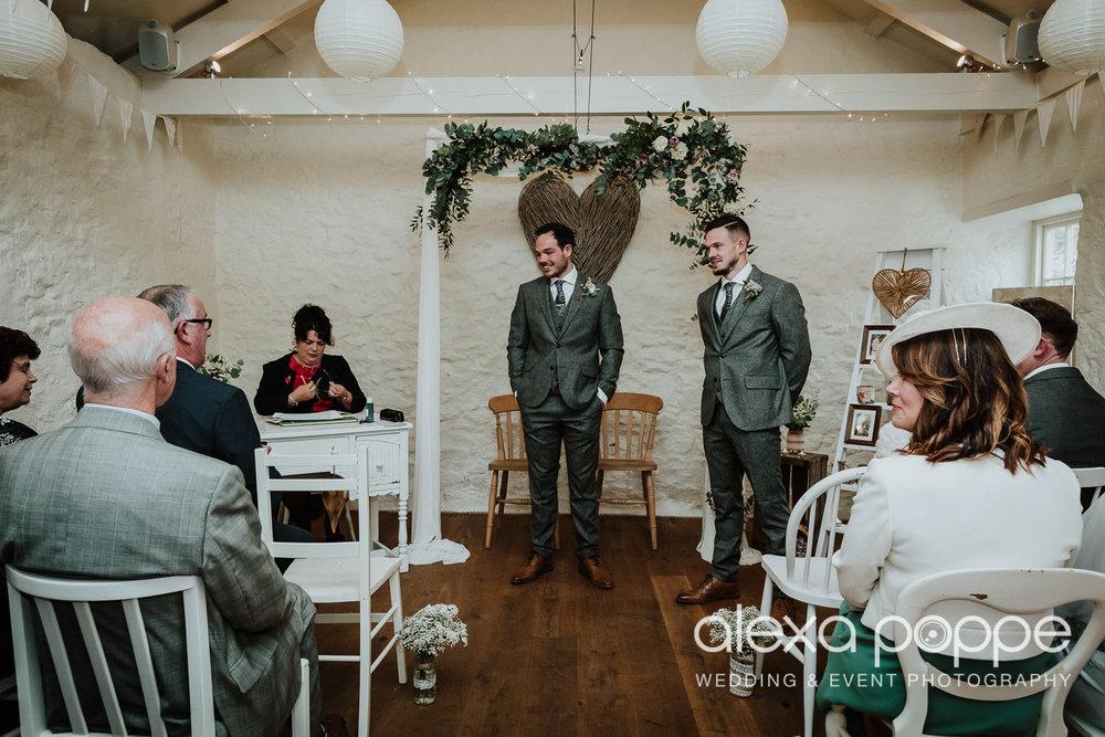 LJ_wedding_cosawesbarton_12.jpg