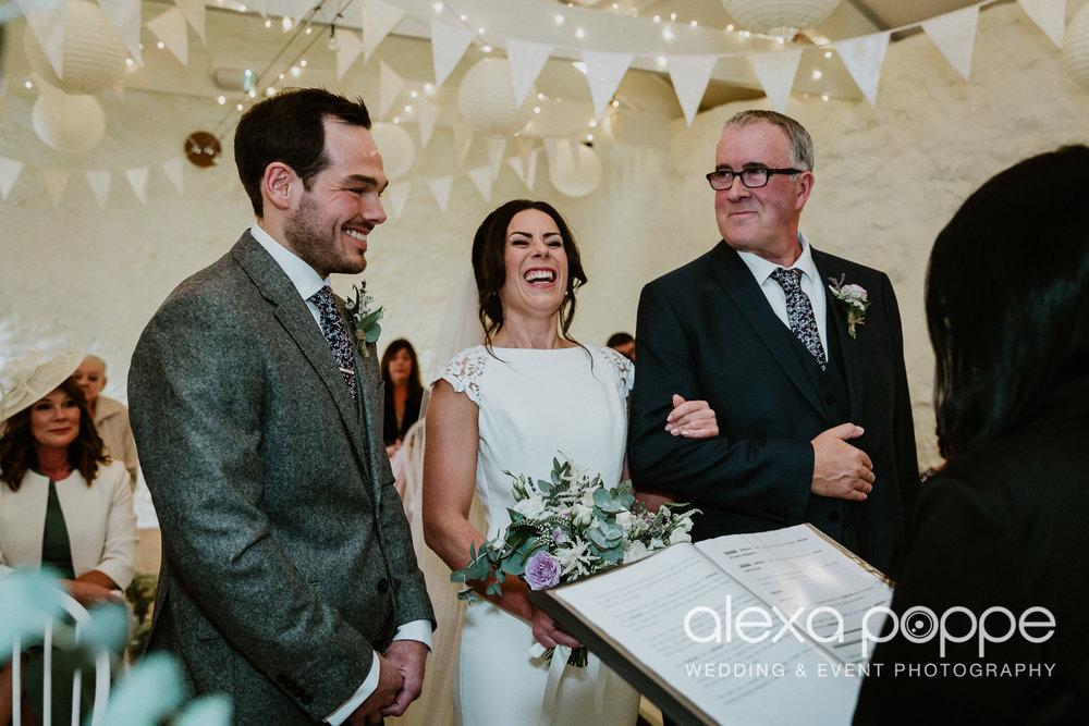 LJ_wedding_cosawesbarton_16.jpg