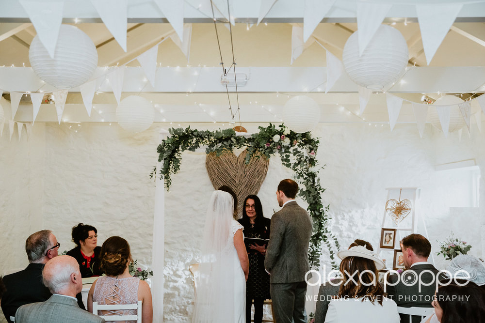 LJ_wedding_cosawesbarton_19.jpg